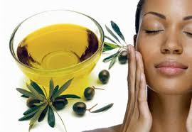 L'olio d'oliva è il salvatore della pelle